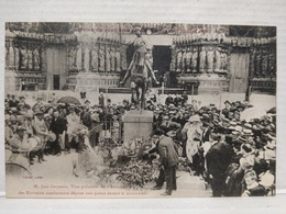 Reims. José Germain Dépose Une Palme Devant Le Monument - Reims