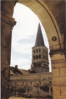 F58-032 LA CHARITÉ SUR LOIRE - LE CLOCHER SAINTE CROIX - VU DE LA GALERIE NORD DU GRAND CLOÎTRE - La Charité Sur Loire