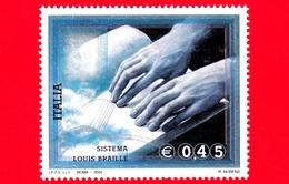 Nuovo - MNH - ITALIA - 2004 - Sistema Di Lettura Louis Braille - 0,45 - Mani Appoggiate Su Un Libro Stampato In Braille - 6. 1946-.. República