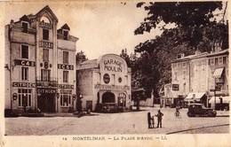 Montelimar  26   La Place D'Ayou Animée -Garage MOULIN -et Garage BRIDAY Avec Les 2 Pompe A Essence Et Voitures - Montelimar