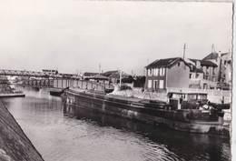 CPM : Aubervilliers (93)   Batellerie Pont Tournant Sur Le Canal   Péniche   Ed Abeilles Carte - Aubervilliers