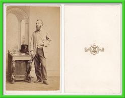 Photografie: T. Rodger, St. Andrews - Portrait, Eleganter Herr Mit Stock Und Hut, Mann Homme Man Gentleman#0471 CDV /kab - Photographs