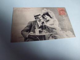 Jeune Couple ...joyeux Aperitf - Bergeret