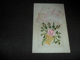 Carte Brodée ( 120 )  Geborduurde Kaart  Mouchoir - Brodées