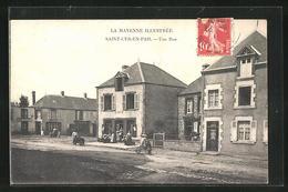 CPA Saint-Cyr-en-Pail, Une Rue - France