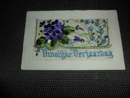 Carte Brodée ( 149 )  Geborduurde Kaart   Carte Enveloppe - Brodées
