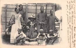 Madagascar / 10457 - Nossi Bé - Indiens Et Femmes Saklaves - Madagascar