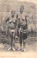 Afrique / 10586 - Afrique Du Sud - Two Zulu Girls - Nude Women - Cartes Postales