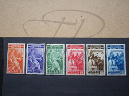 VEND TIMBRES DU VATICAN N° 66 - 71 , NEUFS AVEC CHARNIERES !!! - Unused Stamps