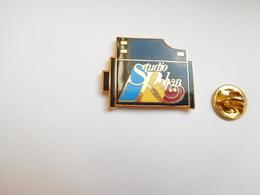 Superbe Pin's En EGF , Photographie , Studio Rohan - Fotografie