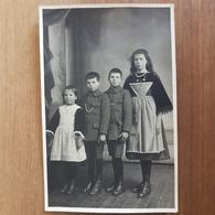 Chateaulin.carte Photo Enfants, Costumes Bretons,famille Le Doaré - Châteaulin