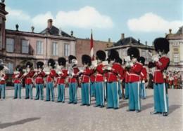 AN09 Kobenhavn Copenhagen, The Royal Guard At Amalienborg Palace - Denmark
