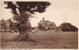 AS30 Frinton On Sea, The Greensward & Grand Hotel - Vintage Cars - England