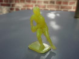 Figurine-joueur-de-Rugby-Bonux-N° 3 Dans Le Dos, Couleur Jaune, Bas - Autres Collections