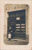 I85 - COMMERCE - Carte Photo - Epicerie Pâtisserie Dépôt De Pain J. Soton - Magasins