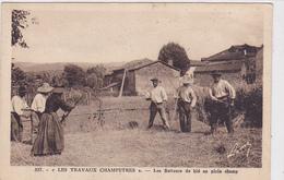 Cpa -agri-camp-travaux Champetres-batteurs De Blé-animée-battage Au Fleau-edi Margerit ( Le Puy) N°337 - Cultures
