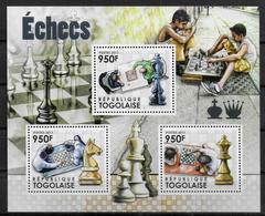 TOGO   Feuillet N°  2830/32  * *  ( Cote 16.50e )  Echecs - Echecs