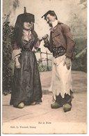 """L35B088 -  """"Bressane"""" Et Son Amoureux -  Ancien Costume -""""Zet Et Zette"""" -  L.Ferrand - Personnages"""