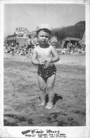 BOY GARCON S Nude Nu In Ruffle Swimsuit With Hat By Beach Plage Carte Photo 1950' Postcard - Personas Anónimos