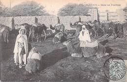 Afrique  Algérie > Dans Un Fondouk (- Edition N° 155) * PRIX FIXE - Algérie