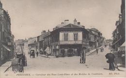 """CPA Périgueux - Carrefour Des Rues Louis-Blanc Et Des Mobiles De Coulmiers (animation Devant """"Café De L'Univers"""") - Périgueux"""
