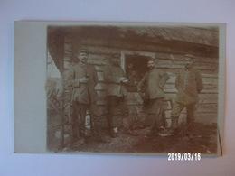 Groupe De Soldats Allemands - Uniformes