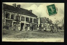 45, La Selle Sur Le Bied, La Place Avec Animation ( Je Joinds La Liste De L'identification Des Personnes) - France