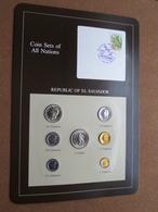 REPUBLIC OF EL SALVADOR ( From The Serie Coin Sets Of All Nations ) Card 20,5 X 29,5 Cm. ) + Stamp '84 ! - El Salvador