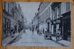 02 : Soissons - La Rue Saint-Martin - Animée : Belle Animation - Commerces - (n°14719) - Soissons