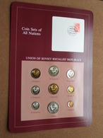 UNION OF SOVIET SOCIALIST REPUBLICS ( From The Serie Coin Sets Of All Nations ) Card 20,5 X 29,5 Cm. ) + Stamp '83 ! - Qatar