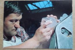 BACCARAT - Cristallerie - Taille De La Paraison Du Verre - Métier D'Art   (54 Meurthe Et Moselle ) - Baccarat