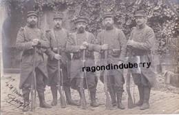 CPA PHOTO - MILITARIA - GROUPE De POILUS Du 320ème Régt En Tenue De Combat Voy En 1914 - TRES BELLE QUAL PHOTOG - Guerre 1914-18