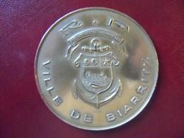 Ancienne Médaille De Table Bronze Ville De Biarritz Signée A RAOUL - Touristiques