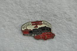 Pin's Model Show Voiture Avion Train Bateau - Badges