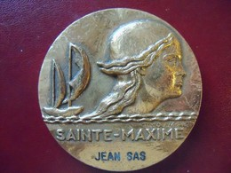 Ancienne Médaille De Table Bronze Ville De SAINTE MAXIME Signée COUVEGNET - Other