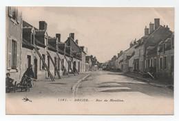 DECIZE (Nièvre-58) - Rue De Moulins - Animée - N°1161 - Bon état . - Decize
