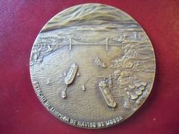 Ancienne Grande Médaille De Table Bronze 1980 Estaleiros Navals De Lisboa Numérotée 41. LISBONNE PORTUGAL - Professionals / Firms