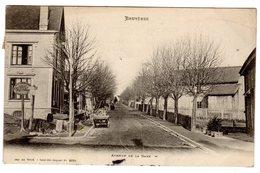CPA Bruyères 88 Vosges Avenue De La Gare Panneau Arrêt Voyageurs Hôtel Renaissance Travaux En Cours éd Weick - Bruyeres