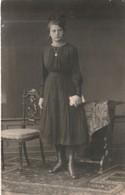 Junges Mädchen, Schwarzes Kleid  ,   Ca.9 X 13 Cm - Postcards