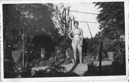 PIN UP FASHION WOMEN FEMMES Vtg Photo 1960' Teen Girl S Nude Nu In Swimsuit Two Pieces By The Garden - Pin-ups