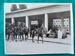 Cliché.Photo Originale.Légendée.Serbes Morts En France.Cimetière De Thiais 1937. - Guerre, Militaire