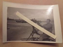 1920 1930 Aviation Française Mitrailleur Symblotage De Mitrailleuses Lewis Sur Affut Hotchkiss Omnibus - War, Military