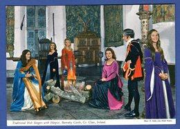 C-P-S-M-Europe-Irlande . . Traditioal Irish Singers Harpist,Bunratty Castle,Co.Ireland. - Irlande