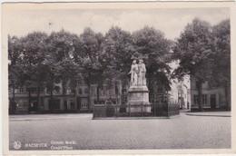 MAASEIK-GROTE MARKT-MONUMENT-VERSTUURDE KAART-1937-ZIE DE 2 SCANS-MOOI+KLEINE PRIJS! ! ! - Maaseik