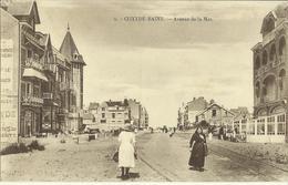 Coxyde-Bains -- Avenue De La Mer.     (2 Scans) - Koksijde