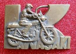 Publicité Moto Kawasaki Boucle De Ceinturon En Métal Bel Buckle 132gr 8.2x5.5 Cms Advertising - Publicité