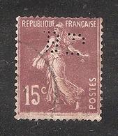 Perforé/perfin/lochung France No 189  BP Banque De Paris Et Des Pays Bas (143) - France