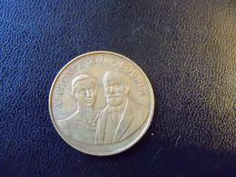 Ancienne Médaille  Bronze 1905 Mutuelle De France Et Des Colonies. Alphonse XIII- Loubet - Adel