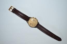 Montre Bracelet Chronographe Suisse Mécanique Fonctionne - Montres Anciennes