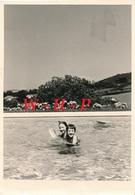 Lot De 2 Photos Anciennes  - CHASSELAY (Rhône)  -   Enfants à La Baignade  Juillet 1967 - Places